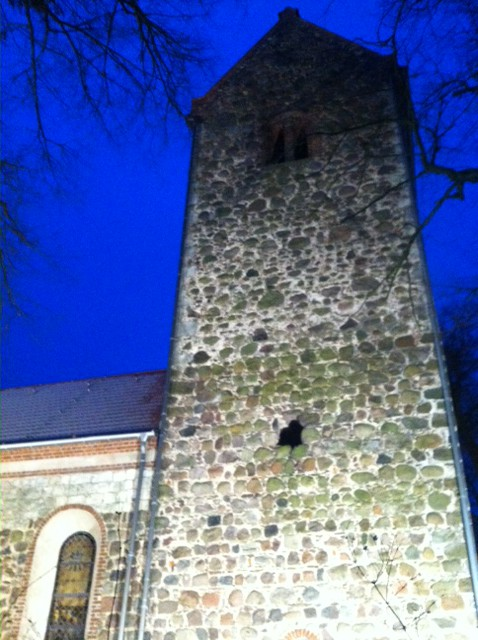 Kirchenturm der Dorfkirche an der Arche